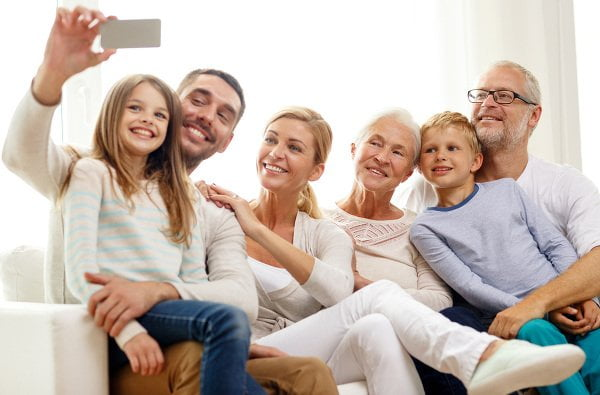 family-time-communication-selfie-600x395