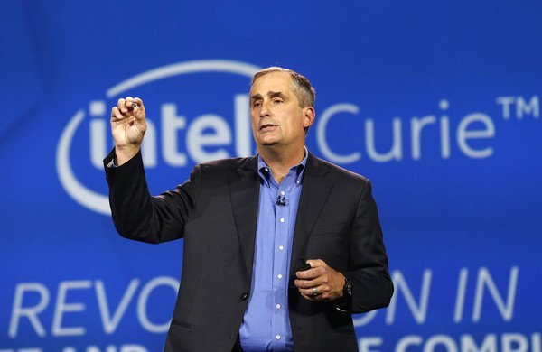 intel-curie-microchip-puce-wearables
