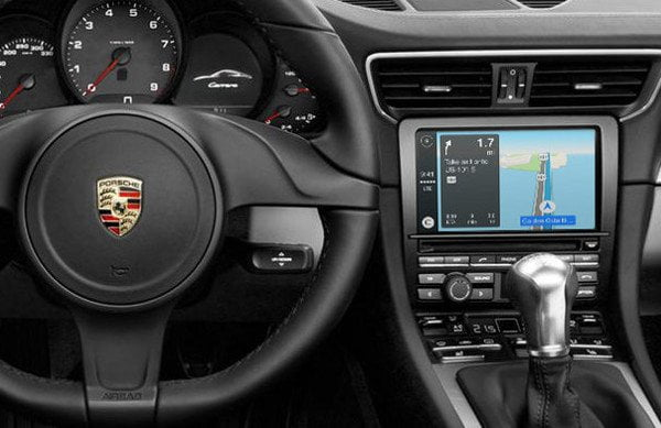 Porsche-carplay-connect-apple-watch-1