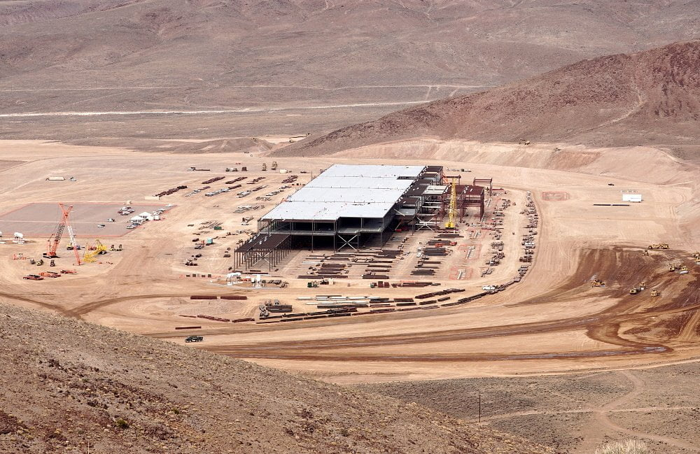 tesla-battery-gigafactory-reno-nevada-2