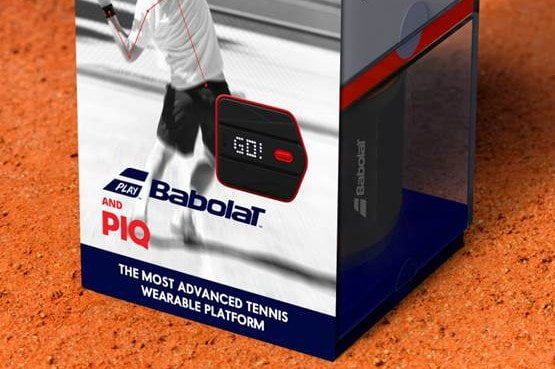 BABOLAT-PIQ-TENNIS- packaging on court