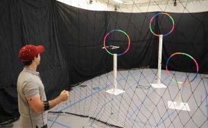 Un système de contrôle musculaire pour piloter un drone avec précision