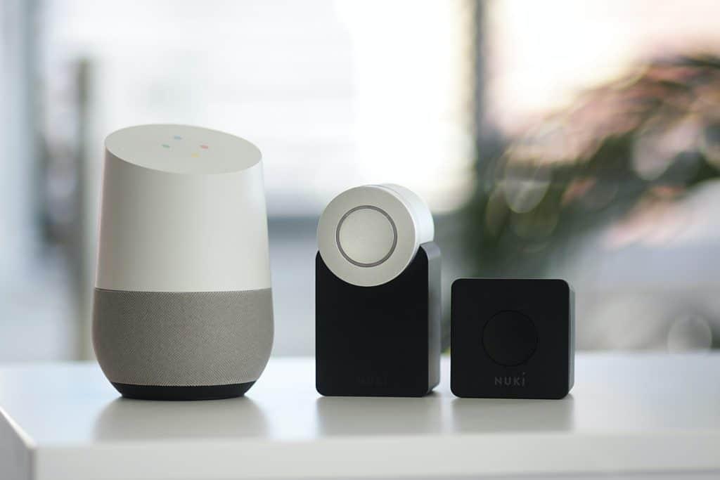 Objets connectes assistant vocal Google