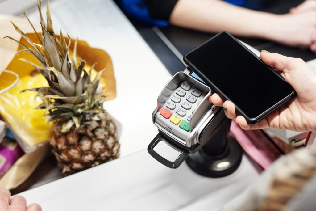 Paiement sans contact mobile supermarché