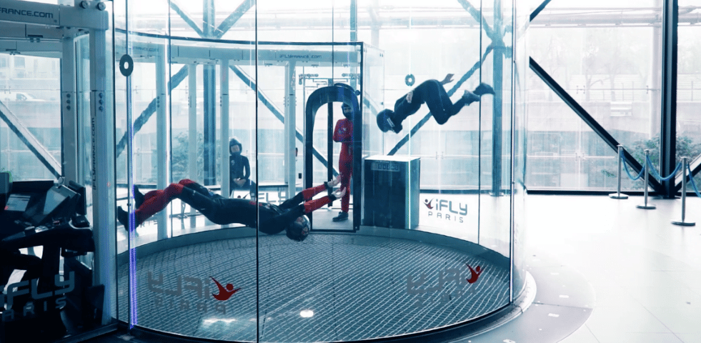 iFLY experience chute libre
