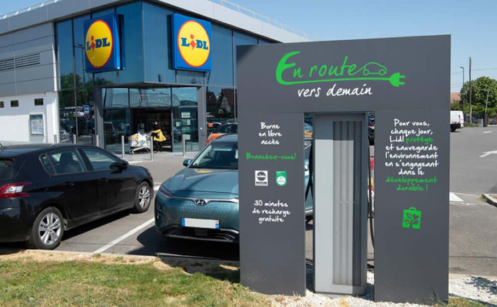 Stations-service plan de relance Allemagne une borne de recharge pour voiture électrique
