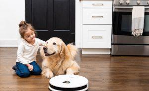 Trifo Max robot aspirateur qui surveille la maison
