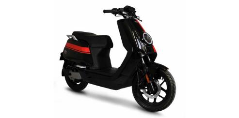 comparatif scooters électriques NIU NQI GTS