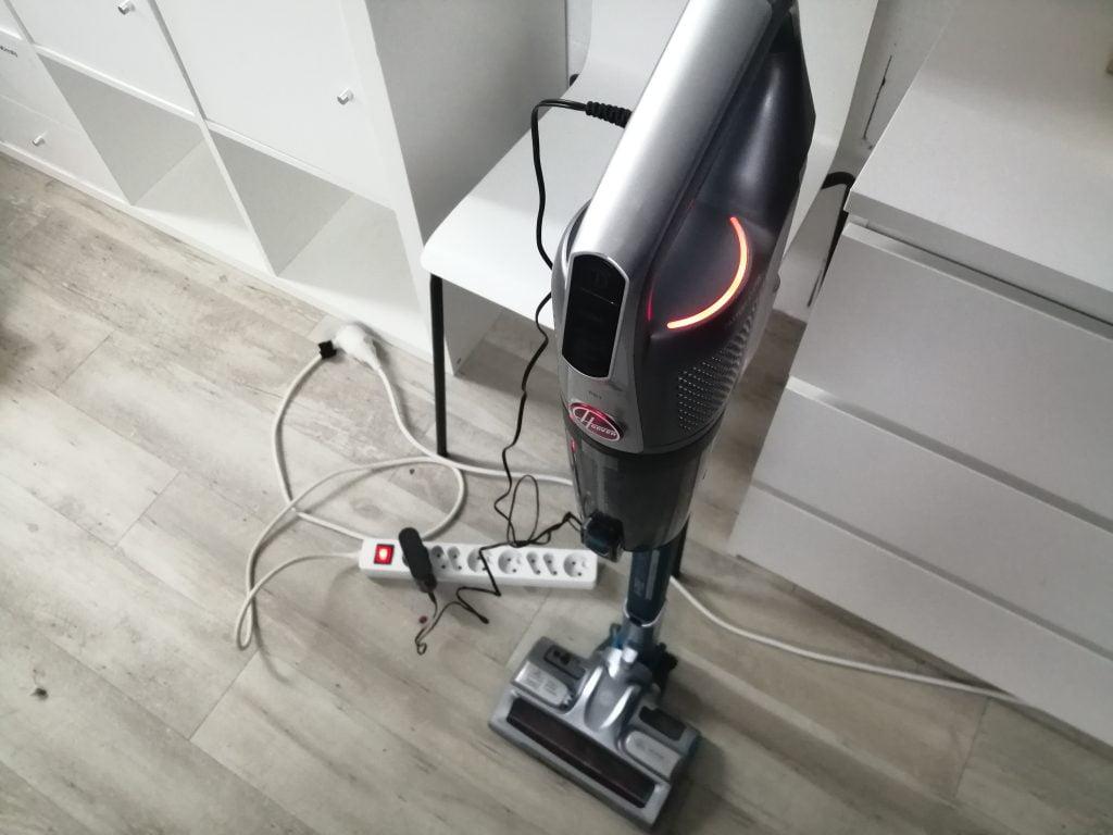 Charger aspirateur balai sans fil