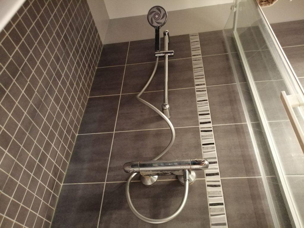 Installation pommeau de douche connecté