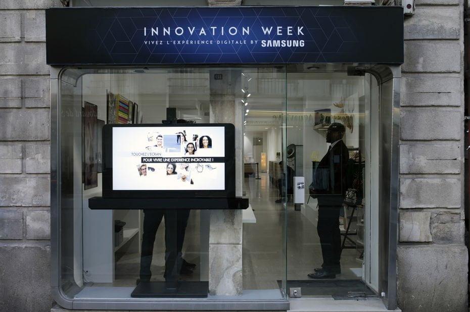écran affiche digitale vitrine
