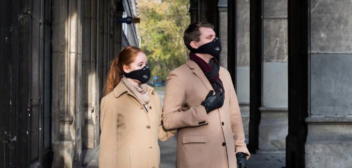 UltraLight Mask porté par deux personnes