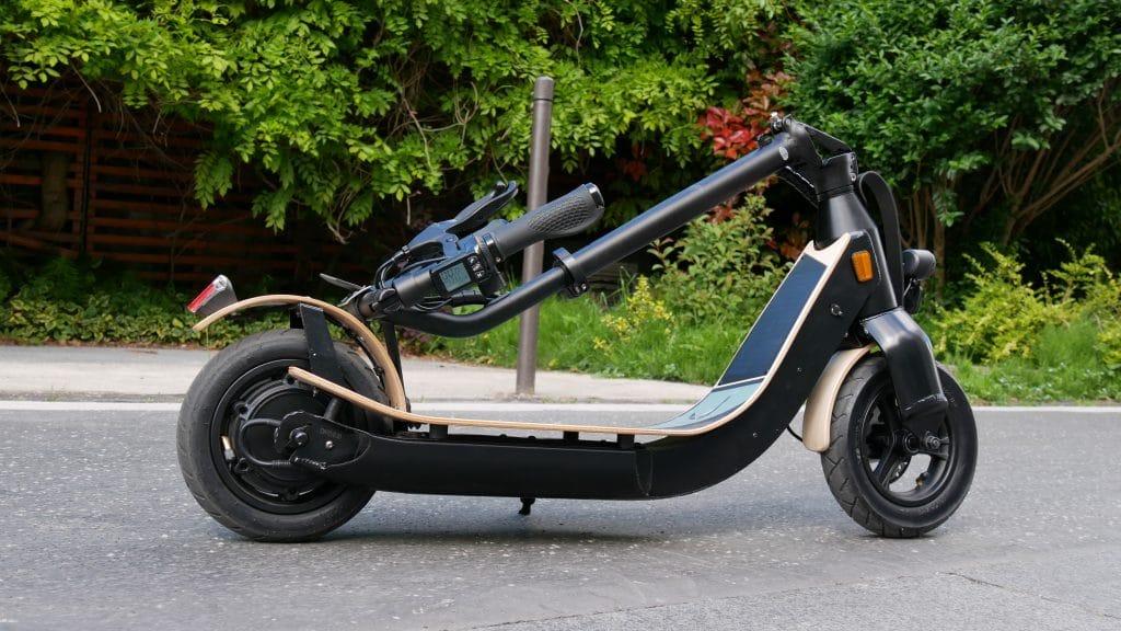 trottinette électrique lab'elle véloce plié de profil