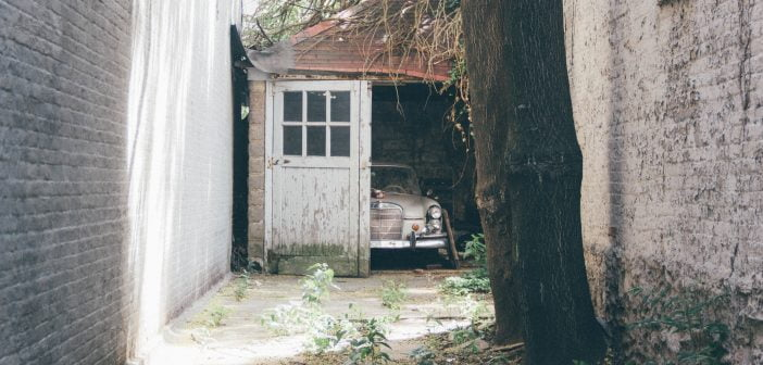 rénover porte de garage bois