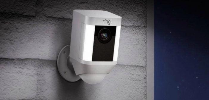 Caméra Ring Spotlight cam battery
