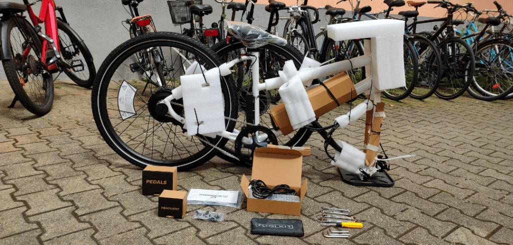 unboxing du vélo électrique Radmission 1