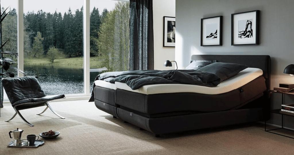 chambre avec un lit tempur north relaxation