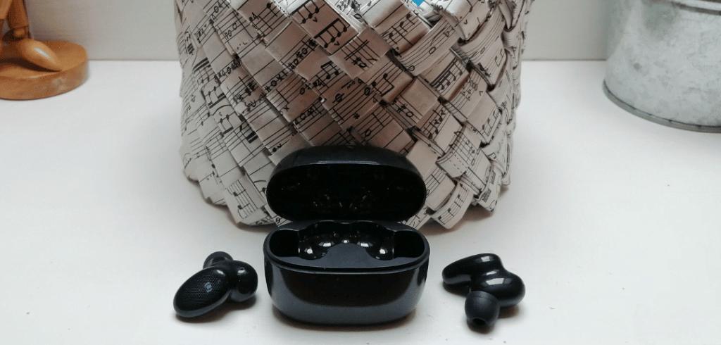 écouteurs HiTune X5 True Wireless hors de leur boîtier