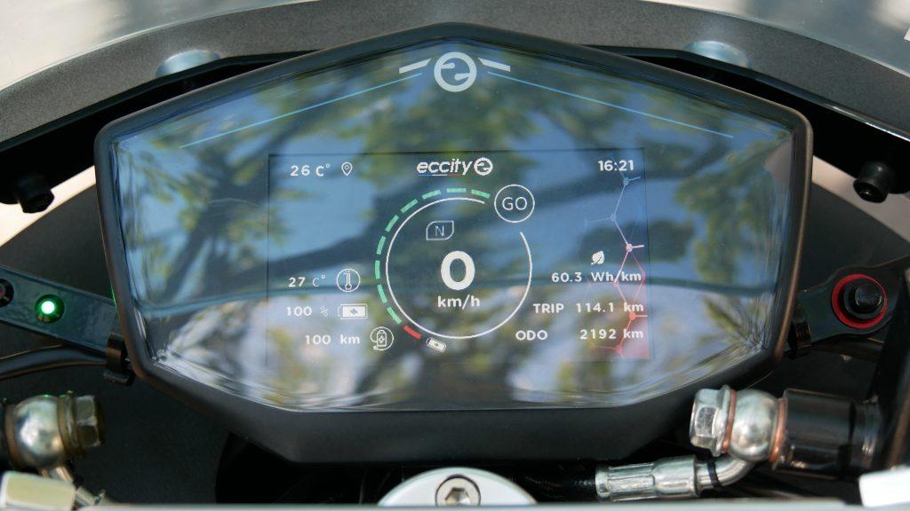 tableau de bord digital du Eccity model3