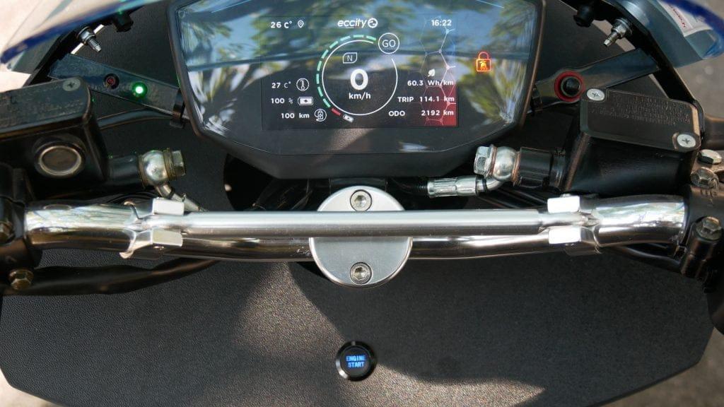 accélération et reprise du scooter électrique Eccity Model3