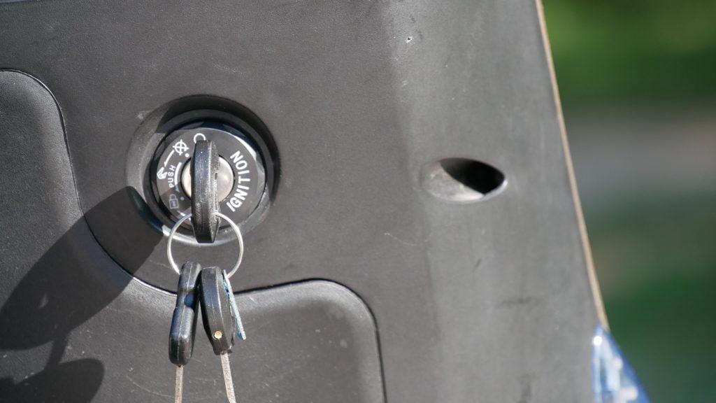 clef et déverrouillage scooter model3