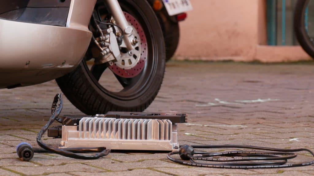 chargeur scooter électrique Model3