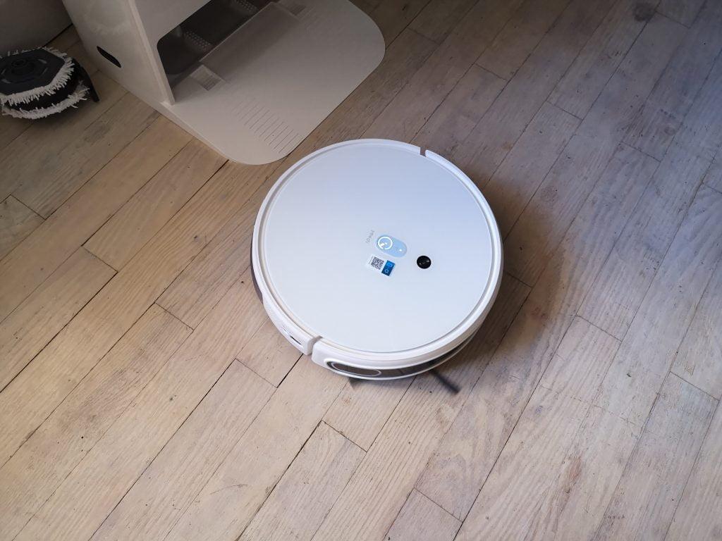 Robot Aspirateur Laveur Yeedi Mop Station