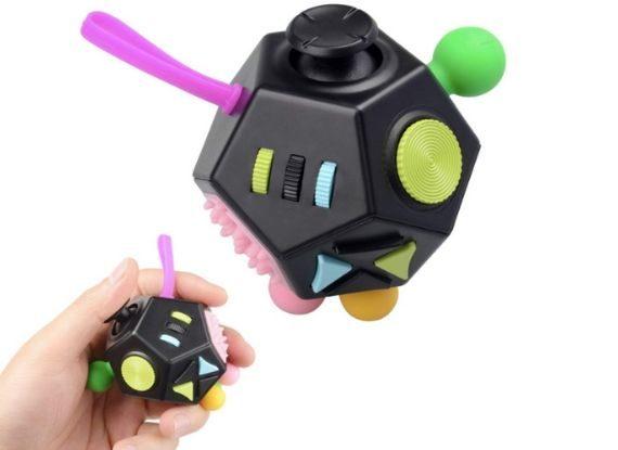 Fidget Cube idée cadeau gadget 2019